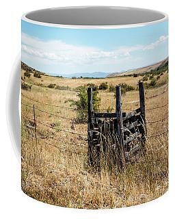 Yellow Grass And Fence Anchor Coffee Mug