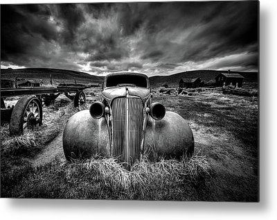 Rusty Cars Metal Prints