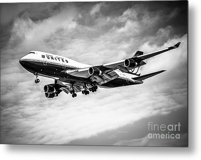 United Airlines Passenger Plane Metal Prints