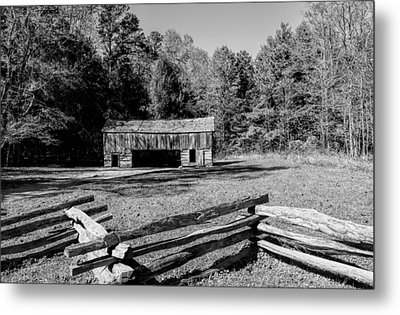 Historical Cantilever Barn At Cades Cove Tennessee In Black And White Metal Print by Kathy Clark