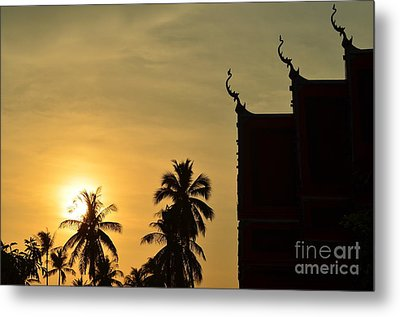 Metal Print featuring the photograph  Sunset In The Tempel by Michelle Meenawong