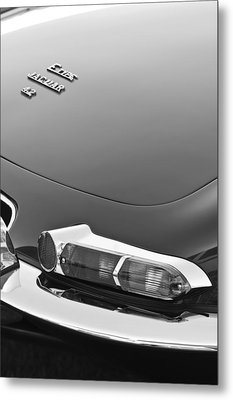 1967 Jaguar E-type 4.2 Liter Series 1 Roadster Taillight Metal Print by Jill Reger