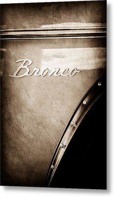 1973 Ford Bronco Custom 2 Door Emblem Metal Print