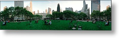 360 Degree View Of A Public Park Metal Print