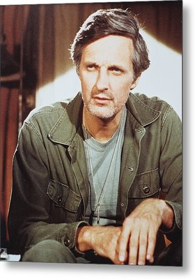 Alan Alda In M*a*s*h  Metal Print by Silver Screen