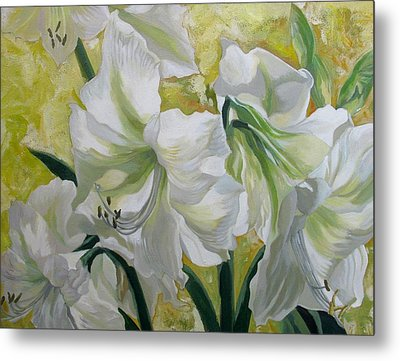 Amaryllis With Yellow Metal Print by Alfred Ng