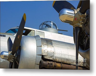 B-17 Flying Fortress  Metal Print by Danny Smythe