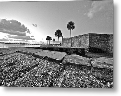 Black And White Castillo De San Marcos View 5 Metal Print