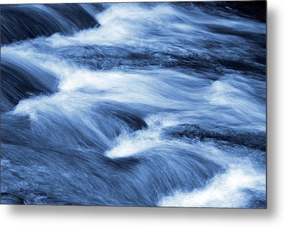 Blue Stream Metal Print by Les Cunliffe