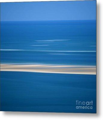 Blurred Sea Metal Print