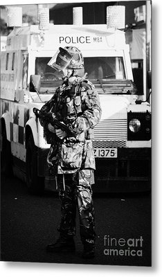 British Army Soldier With Mp5 On Crumlin Road At Ardoyne Shops Belfast 12th July Metal Print by Joe Fox