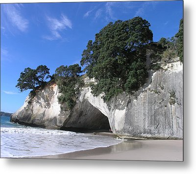 Metal Print featuring the photograph Cathedral Cove by Christian Zesewitz
