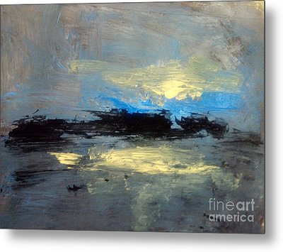 Centre  Metal Print by Trilby Cole