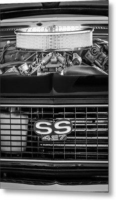 Chevrolet Camaro Ss 427 Grille Emblem - Engine Metal Print by Jill Reger