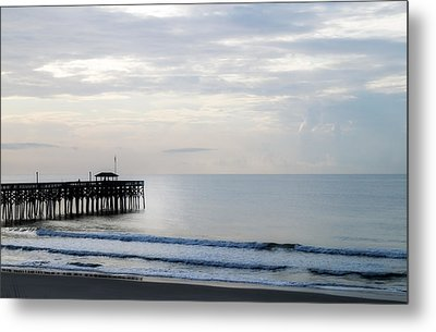 Metal Print featuring the photograph Daybreak At Pawleys Island by Frank Bright
