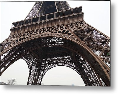 Eiffel Tower - Paris France - 01133 Metal Print by DC Photographer