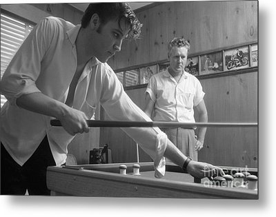 Elvis Presley With His Father Vernon 1956 Metal Print by The Harrington Collection