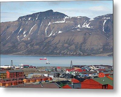 Europe, Norway, Svalbard, Longyearbyen Metal Print by Jaynes Gallery
