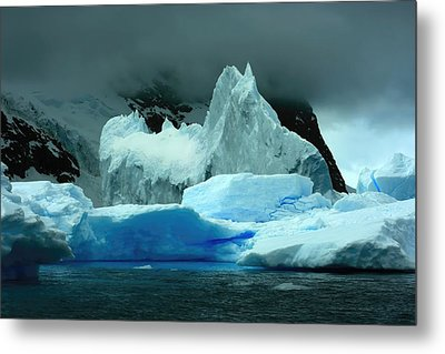Metal Print featuring the photograph Iceberg by Amanda Stadther
