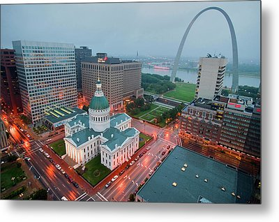 In A Misty Rain An Elevated View Metal Print