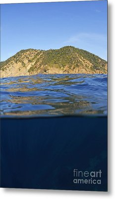Island And Water Surface Metal Print