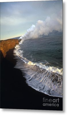 Kilauea Volcano, Hawaii Metal Print by Stephen & Donna O'Meara