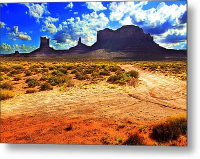 Metal Print featuring the photograph Monument Valley Utah Usa by Richard Wiggins