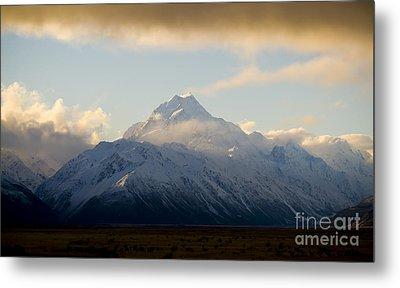Mount Cook New Zeland Metal Print by Tim Hester