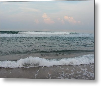 Metal Print featuring the photograph Ocean At Buxton Nc 2 by Cathy Lindsey