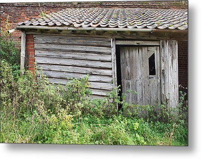 Old Hut Metal Print by Tom Gowanlock