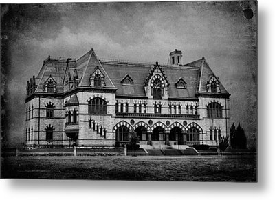 Old Post Office - Customs House B/w Metal Print by Sandy Keeton