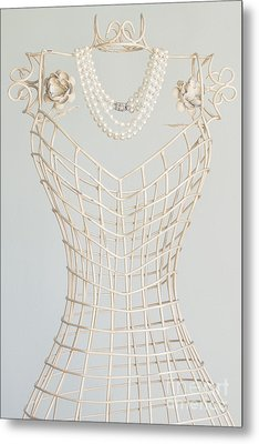 Pearls Metal Print by Margie Hurwich