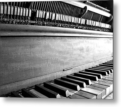 Piano Metal Print by Thomas Leon