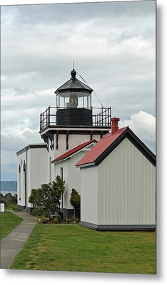 Metal Print featuring the photograph Point No Point Lighthouse by E Faithe Lester