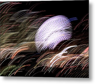 Metal Print featuring the photograph Pretty Little Cosmo - 8 by Larry Knipfing