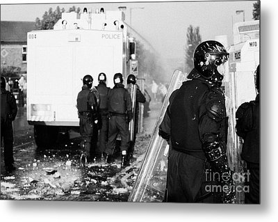 Psni Riot Officers Behind Water Canon During Rioting On Crumlin Road At Ardoyne Shops Belfast 12th J Metal Print