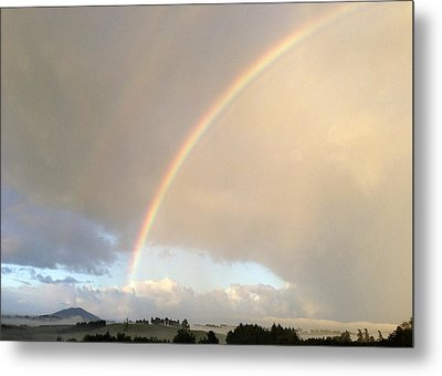 Rainbow  Metal Print by Les Cunliffe