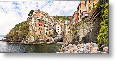 Riomaggiore Italy Metal Print by Carl Amoth