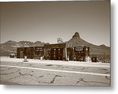 Route 66 - Cool Springs Camp Metal Print by Frank Romeo