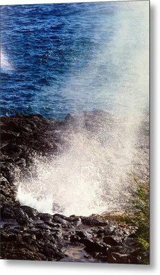 Metal Print featuring the photograph Spouting Horn by Alohi Fujimoto