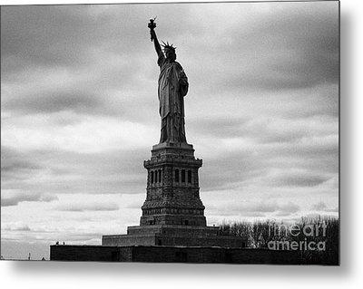 Statue Of Liberty National Monument Liberty Island New York City Metal Print by Joe Fox