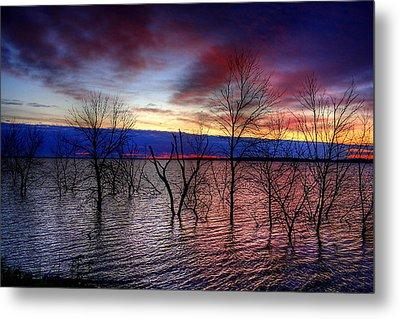 Sunrise On Devils Lake Metal Print by Larry Trupp