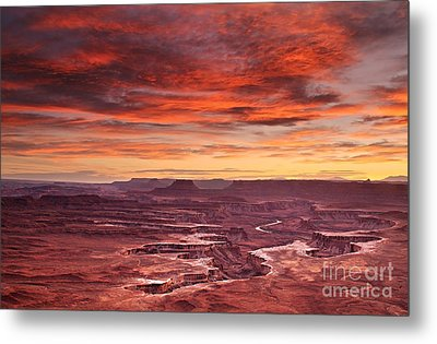 Sunset At The Green River Overlook Metal Print by Roman Kurywczak