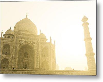 Taj Mahal In The Morning Metal Print