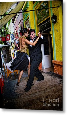 Tango Dancing In Buenos Aires Argentina Metal Print by David Smith