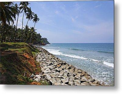 The Coast At Varkala In Kerala India Metal Print by Robert Preston