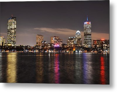 The Prudential Lit Up In Red White And Blue Metal Print by Toby McGuire