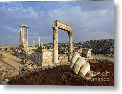 The Temple Of Hercules And Sculpture Of A Hand In The Citadel Amman Jordan Metal Print by Robert Preston
