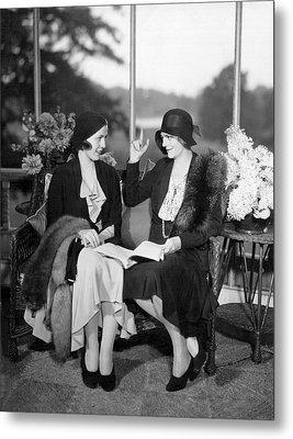 Two Women Talking Metal Print by Underwood Archives