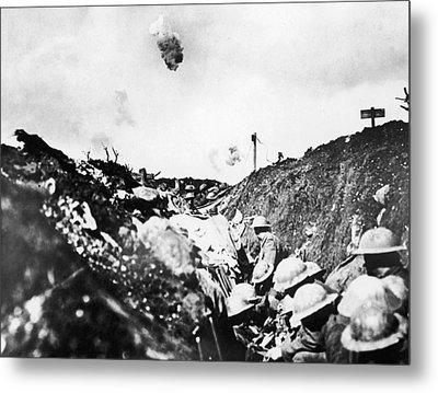 World War I Somme, 1916 Metal Print by Granger